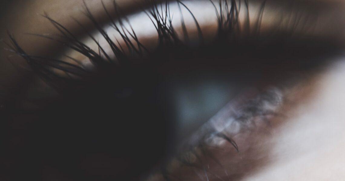 Øjenvippe Serum Test 2020 – Top 3 bedste!